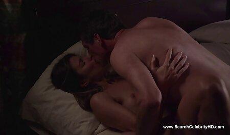 Un homme baise une voir un porno femme.