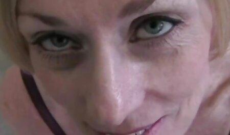 Massage érotique dans le salon je voudrais voir le porno