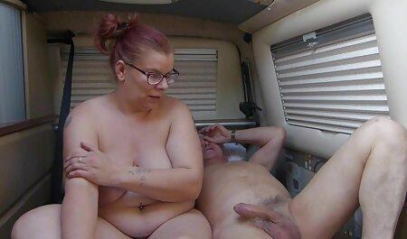 Baise une fille porno voir video dans la cuisine.