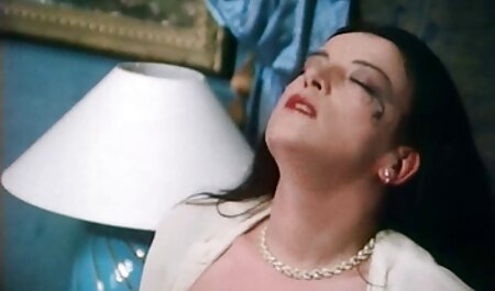 Deux voir film porno italien brunettes qui se fait baiser.