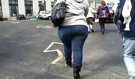 Une belle brune dans visionner film x le cul