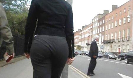 Un homme et sa voir des video porno en streaming petite amie Rousse ont pris un homme pour lui.