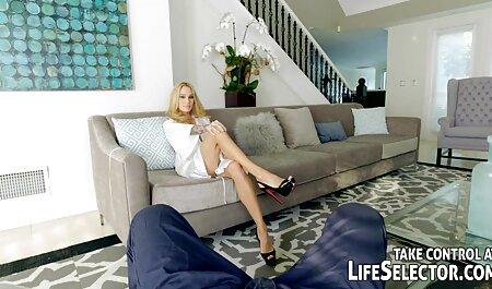 Blonde dans regarder video xxx gratuit le lit