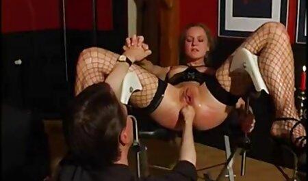 Secrétaire regarde sex gratuit bella