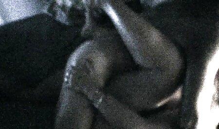 La jeune femme aux tatouages souffle rapidement son Afrique bien-aimée. regarder video xxx