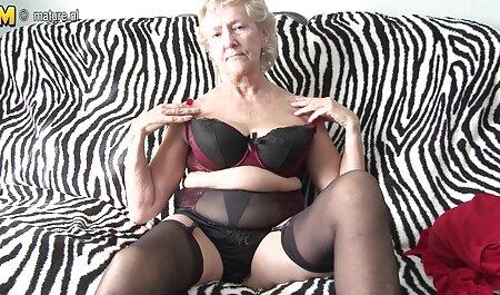Le patron baise la secrétaire avec de gros seins. voir film porno complet