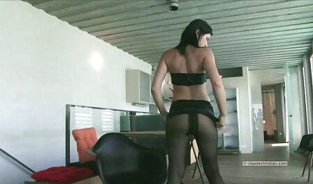 Jolie blonde prend 366 dans la voir une vidéo pornographique bouche