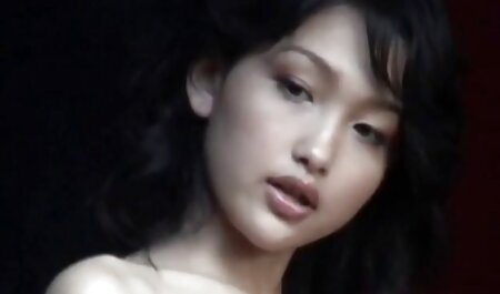 Le cancer de la regarder les films pornographiques belle-mère pour baiser son beau-fils