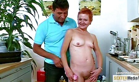 Enseignant Éjaculation sur la poitrine voir scene porno