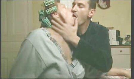 Les membres du Grand porno: la regarde film porno jeune femme aime sucer et baiser