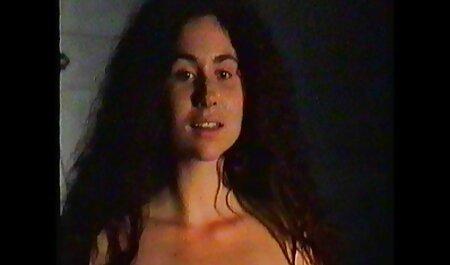Porno Anal avec une jeune chaudasse. je voudrais voir du porno